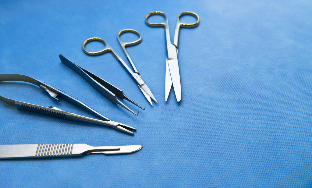needle holders
